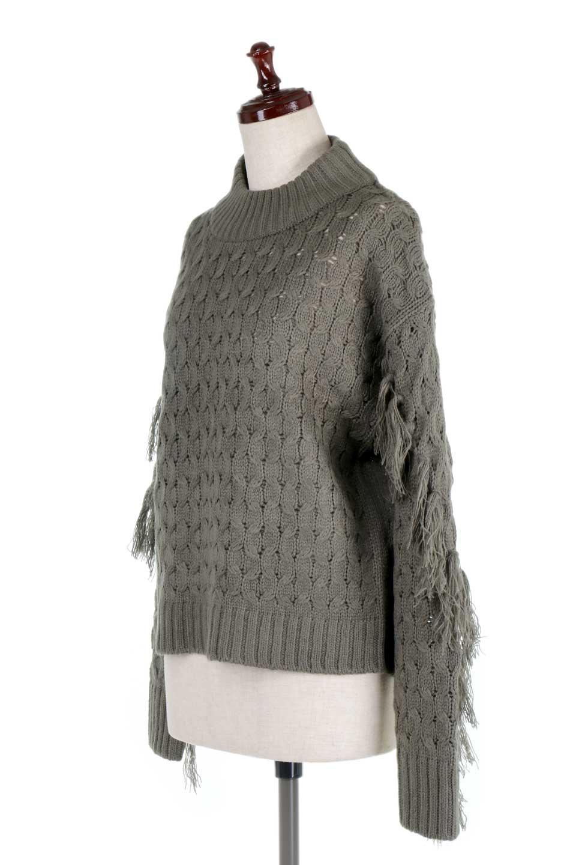 RibbedHighNeckFringeKnitTopハイネック・フリンジセーター大人カジュアルに最適な海外ファッションのothers(その他インポートアイテム)のトップスやニット・セーター。フリンジが飾られた袖が可愛いザックリ編みのケーブルニットセーター。肉厚で大きめリブのハイネックは小顔効果も期待できそうです。/main-6