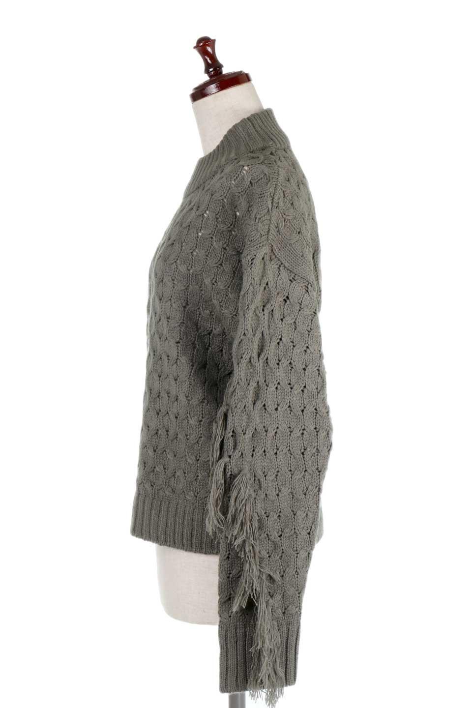 RibbedHighNeckFringeKnitTopハイネック・フリンジセーター大人カジュアルに最適な海外ファッションのothers(その他インポートアイテム)のトップスやニット・セーター。フリンジが飾られた袖が可愛いザックリ編みのケーブルニットセーター。肉厚で大きめリブのハイネックは小顔効果も期待できそうです。/main-7