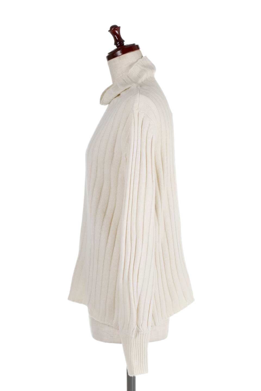 WideRibbedBottleNeckKnitTopワイドリブ・ボトルネックセーター大人カジュアルに最適な海外ファッションのothers(その他インポートアイテム)のトップスやニット・セーター。ゆとりのあるボトルネックが可愛いニットのトップス。緩めのサイズ感と首元のクシュ感が大人気のリブセーター。/main-7