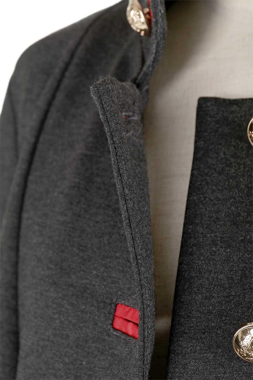 JosephRibkoffのCoat#173308ミリタリー・フレアコート/JosephRibkoffのアウターやコート。赤/金のアクセントカラーが可愛いショート丈のフレアコート。小さめの肩パッド入りでテーラードジャケットのようなしっかりとした作りで、見た目も着心地も上質なコートです。/main-18