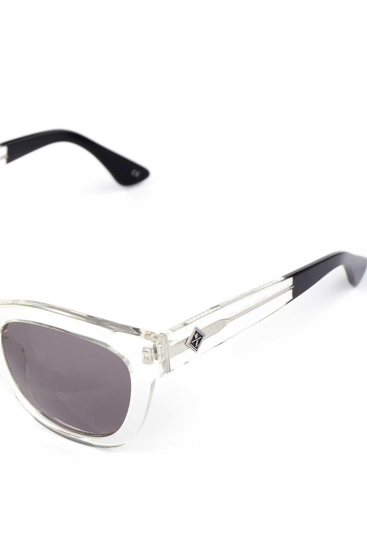 WONDERLANDのCOLONY(03-Clear/GrayLens)コロニー・セルフレーム・サングラス/WONDERLANDのメガネ・サングラスや。アメリカ西海岸のレディースクロージングブランド「STONECOLDFOX」とのコラボレーションモデルです。より女性らしいラウンドしたフレームと特徴的な大きなレンズは、クールな女性を演出してくれると同時に小顔効果が望めます。/main-11