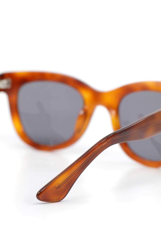 WONDERLANDのCOLONY(10-Havana/GreyLens)コロニー・セルフレーム・サングラス/WONDERLANDのメガネ・サングラスや。アメリカ西海岸のレディースクロージングブランド「STONECOLDFOX」とのコラボレーションモデルです。より女性らしいラウンドしたフレームと特徴的な大きなレンズは、クールな女性を演出してくれると同時に小顔効果が望めます。/main-11