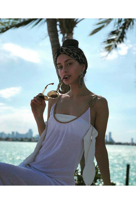 WONDERLANDのCOLONY(10-Havana/GreyLens)コロニー・セルフレーム・サングラス/WONDERLANDのメガネ・サングラスや。アメリカ西海岸のレディースクロージングブランド「STONECOLDFOX」とのコラボレーションモデルです。より女性らしいラウンドしたフレームと特徴的な大きなレンズは、クールな女性を演出してくれると同時に小顔効果が望めます。/main-18