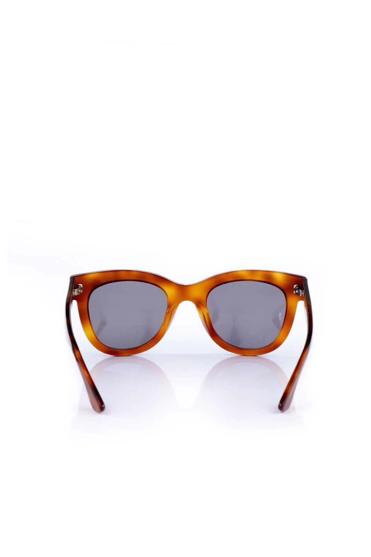 WONDERLANDのCOLONY(10-Havana/GreyLens)コロニー・セルフレーム・サングラス/WONDERLANDのメガネ・サングラスや。アメリカ西海岸のレディースクロージングブランド「STONECOLDFOX」とのコラボレーションモデルです。より女性らしいラウンドしたフレームと特徴的な大きなレンズは、クールな女性を演出してくれると同時に小顔効果が望めます。/main-4