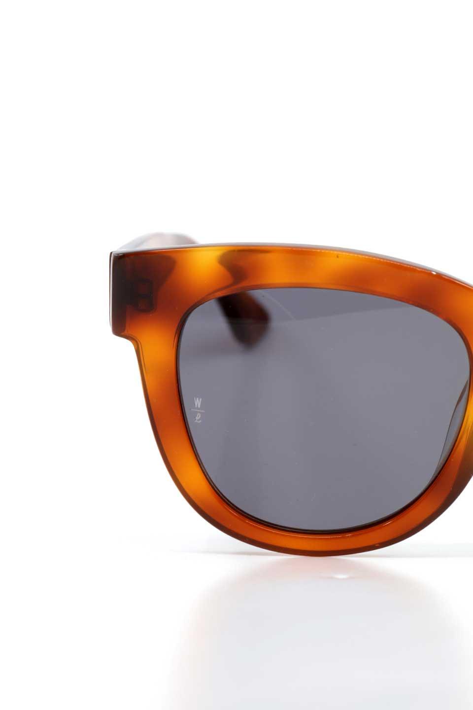 WONDERLANDのCOLONY(10-Havana/GreyLens)コロニー・セルフレーム・サングラス/WONDERLANDのメガネ・サングラスや。アメリカ西海岸のレディースクロージングブランド「STONECOLDFOX」とのコラボレーションモデルです。より女性らしいラウンドしたフレームと特徴的な大きなレンズは、クールな女性を演出してくれると同時に小顔効果が望めます。/main-7
