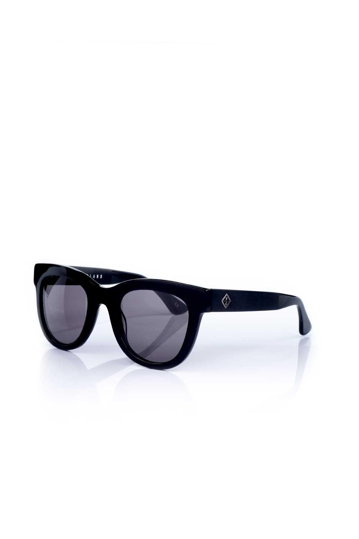 WONDERLANDのCOLONY(01-Black/GreyLens)コロニー・セルフレーム・サングラス/WONDERLANDのメガネ・サングラスや。アメリカ西海岸のレディースクロージングブランド「STONECOLDFOX」とのコラボレーションモデルです。より女性らしいラウンドしたフレームと特徴的な大きなレンズは、クールな女性を演出してくれると同時に小顔効果が望めます。/main-1