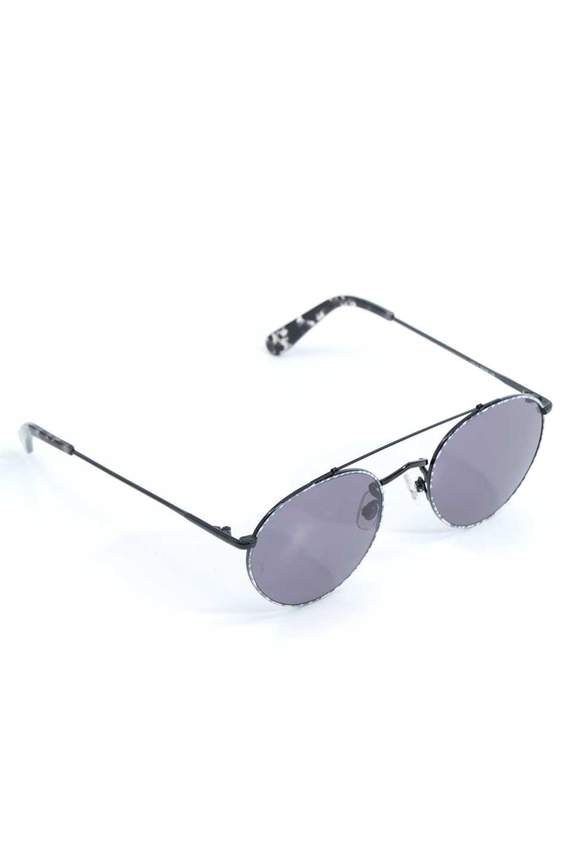 WONDERLANDのINDIO(04-Blk.Tort/GreyLens)インディオ・メタルフレーム・サングラス/WONDERLANDのメガネ・サングラスや。WONDERLANDのラインナップで最もクラシックな作りの
