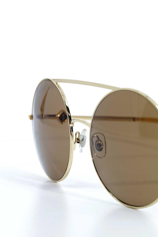 WONDERLANDのBLYTHE(03-Gold/BronzeLens)ブライス・メタルフレーム・サングラス/WONDERLANDのメガネ・サングラスや。INDIOより大きめのラウンドグラスを採用した女性向けモデル「BLYTHE/ブライス」WONDERLANDの中でもSUNCITYの次に大きいグラスを採用し、同じラウンド型サングラスのINDIOやSTATELINEとは異なる特徴的なデザインです。ブリッジ部分はSTATELINEやINDIOと同様「ツーブリッジ」を採用。/main-5