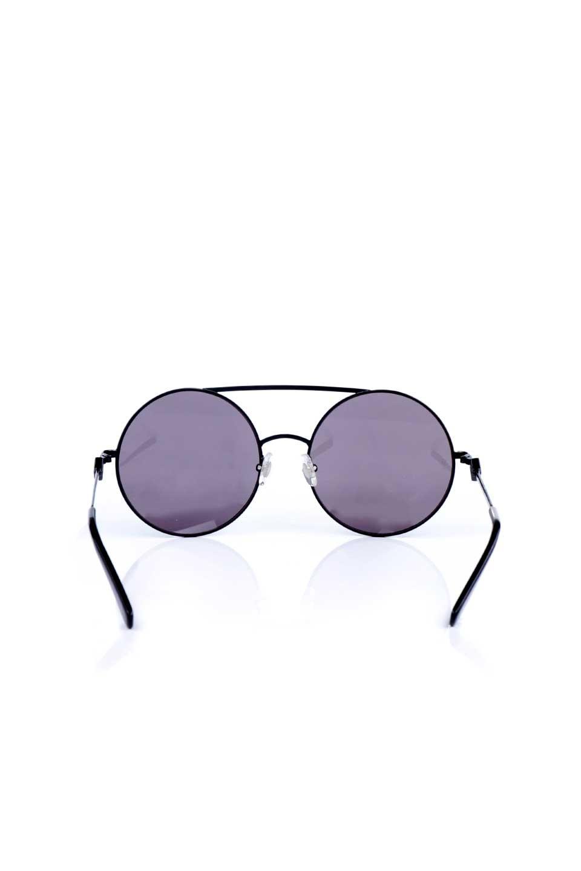 WONDERLANDのBLYTHE(01-Black/GreyLens)ブライス・メタルフレーム・サングラス/WONDERLANDのメガネ・サングラスや。INDIOより大きめのラウンドグラスを採用した女性向けモデル「BLYTHE/ブライス」WONDERLANDの中でもSUNCITYの次に大きいグラスを採用し、同じラウンド型サングラスのINDIOやSTATELINEとは異なる特徴的なデザインです。ブリッジ部分はSTATELINEやINDIOと同様「ツーブリッジ」を採用。/main-4