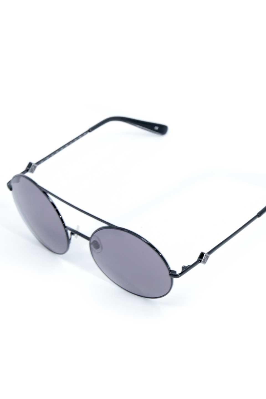 WONDERLANDのBLYTHE(01-Black/GreyLens)ブライス・メタルフレーム・サングラス/WONDERLANDのメガネ・サングラスや。INDIOより大きめのラウンドグラスを採用した女性向けモデル「BLYTHE/ブライス」WONDERLANDの中でもSUNCITYの次に大きいグラスを採用し、同じラウンド型サングラスのINDIOやSTATELINEとは異なる特徴的なデザインです。ブリッジ部分はSTATELINEやINDIOと同様「ツーブリッジ」を採用。/main-5