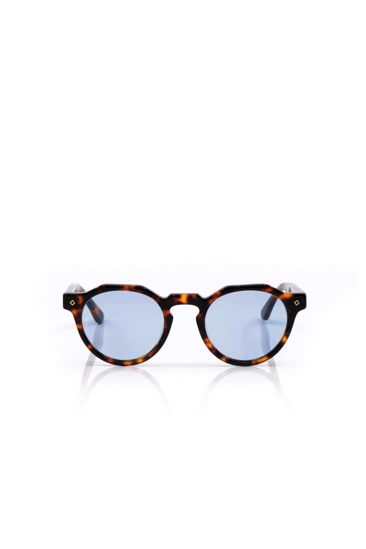 WONDERLANDのFONTANA(02-Tortoise/L.BlueLens)フォンタナ・セルフレーム・サングラス/WONDERLANDのメガネ・サングラスや。WONDERLANDから待望のクラウンパントフレームとなるFONTANA。レトロな雰囲気を醸し出すフレームに、ライトカラーレンズの組み合わせが現代らしさを演出する1本。