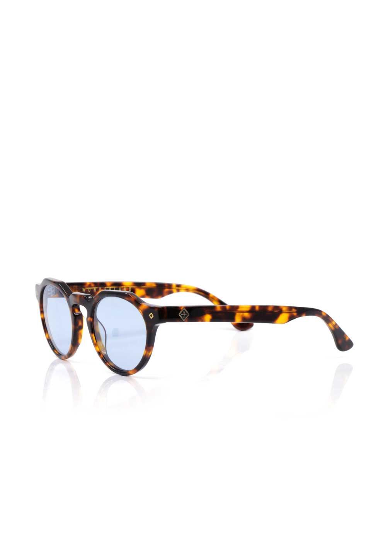 WONDERLANDのFONTANA(02-Tortoise/L.BlueLens)フォンタナ・セルフレーム・サングラス/WONDERLANDのメガネ・サングラスや。WONDERLANDから待望のクラウンパントフレームとなるFONTANA。レトロな雰囲気を醸し出すフレームに、ライトカラーレンズの組み合わせが現代らしさを演出する1本。/main-1