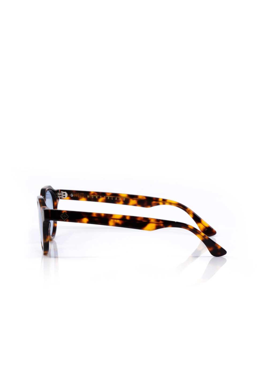 WONDERLANDのFONTANA(02-Tortoise/L.BlueLens)フォンタナ・セルフレーム・サングラス/WONDERLANDのメガネ・サングラスや。WONDERLANDから待望のクラウンパントフレームとなるFONTANA。レトロな雰囲気を醸し出すフレームに、ライトカラーレンズの組み合わせが現代らしさを演出する1本。/main-2