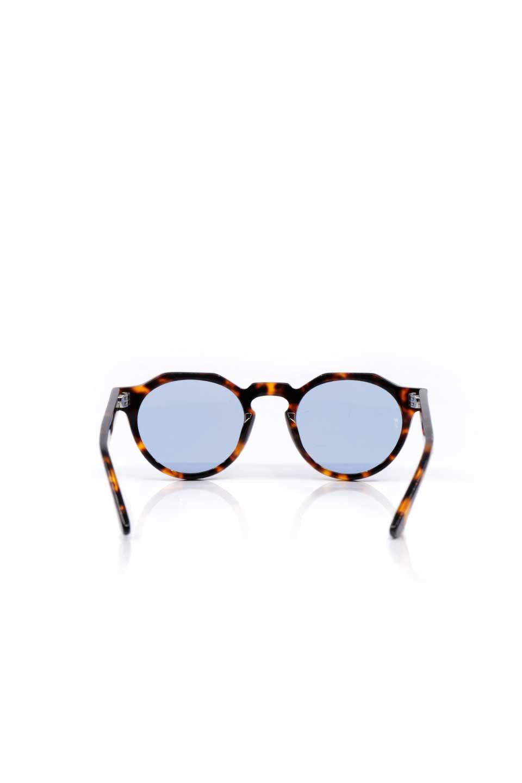 WONDERLANDのFONTANA(02-Tortoise/L.BlueLens)フォンタナ・セルフレーム・サングラス/WONDERLANDのメガネ・サングラスや。WONDERLANDから待望のクラウンパントフレームとなるFONTANA。レトロな雰囲気を醸し出すフレームに、ライトカラーレンズの組み合わせが現代らしさを演出する1本。/main-4