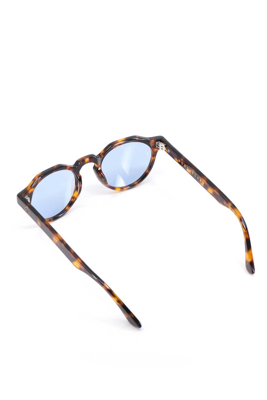 WONDERLANDのFONTANA(02-Tortoise/L.BlueLens)フォンタナ・セルフレーム・サングラス/WONDERLANDのメガネ・サングラスや。WONDERLANDから待望のクラウンパントフレームとなるFONTANA。レトロな雰囲気を醸し出すフレームに、ライトカラーレンズの組み合わせが現代らしさを演出する1本。/main-7