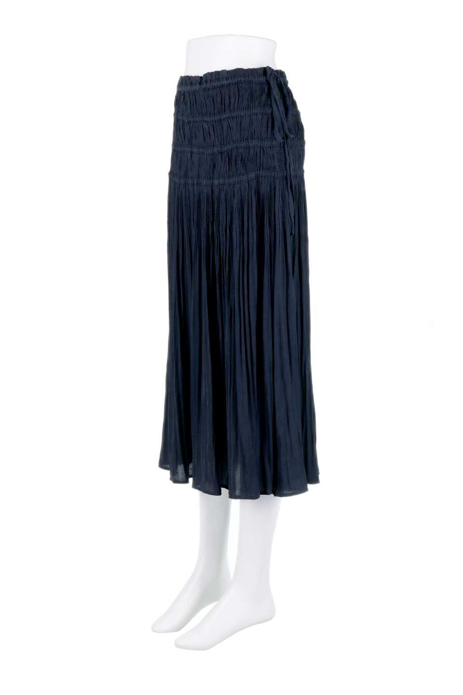L.A.直輸入のPleatedMidiSkirtプリーツ入りミディスカート大人カジュアルに最適な海外ファッションのothers(その他インポートアイテム)のボトムやスカート。スッキリとした腰回りで大人のカジュアルコーディネートが楽しめるプリーツスカート。カラーは濃い目のネイビー。/main-1
