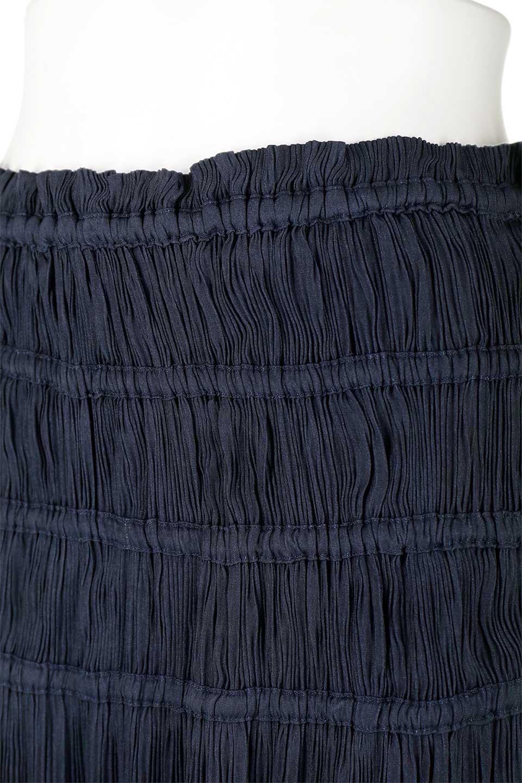 L.A.直輸入のPleatedMidiSkirtプリーツ入りミディスカート大人カジュアルに最適な海外ファッションのothers(その他インポートアイテム)のボトムやスカート。スッキリとした腰回りで大人のカジュアルコーディネートが楽しめるプリーツスカート。カラーは濃い目のネイビー。/main-10