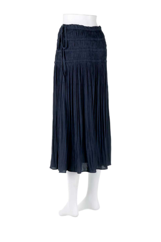 L.A.直輸入のPleatedMidiSkirtプリーツ入りミディスカート大人カジュアルに最適な海外ファッションのothers(その他インポートアイテム)のボトムやスカート。スッキリとした腰回りで大人のカジュアルコーディネートが楽しめるプリーツスカート。カラーは濃い目のネイビー。/main-3