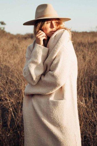 海外ファッション好きのためのカリフォルニアテイストの大人カジュアルインポートブランドLOVESTITCH(ラブステッチ)のLennox Sweater Coat (Heather Petal) フード付きロングニットカーディガン