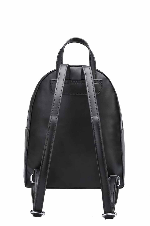 meliebiancoのHelen(Black)スムースレザー・バックパック/海外ファッション好きにオススメのインポートバッグとかばん、MelieBianco(メリービアンコ)のバッグやその他。meliebianco(メリービアンコ)の2019年春夏の新作になります。メリービアンコ自慢のビーガンレザーを使用したアニマルフレンドリーなアイテム。/main-5
