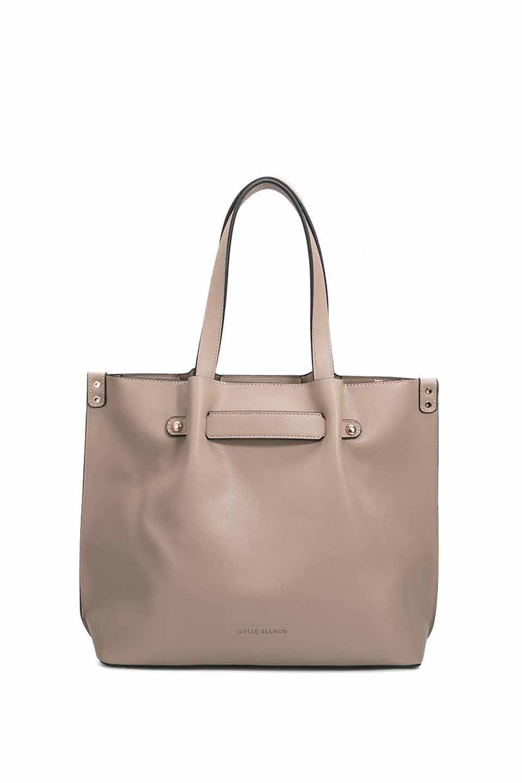 meliebiancoのSarah(Nude)スムースレザー・トートバッグ/海外ファッション好きにオススメのインポートバッグとかばん、MelieBianco(メリービアンコ)のバッグやトートバッグ。meliebianco(メリービアンコ)の2019年春夏の新作になります。メリービアンコ自慢のビーガンレザーを使用したアニマルフレンドリーなアイテム。/main-5