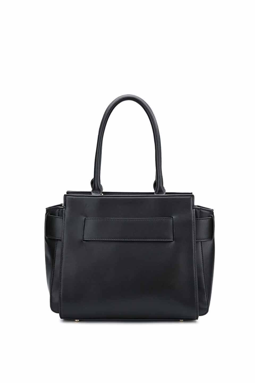 meliebiancoのElizabeth(Black)ロングハンドル・2Wayハンドバッグ/海外ファッション好きにオススメのインポートバッグとかばん、MelieBianco(メリービアンコ)のバッグやハンドバッグ。meliebianco(メリービアンコ)の2019年春夏の新作になります。メリービアンコ自慢のビーガンレザーを使用したアニマルフレンドリーなアイテム。/main-5