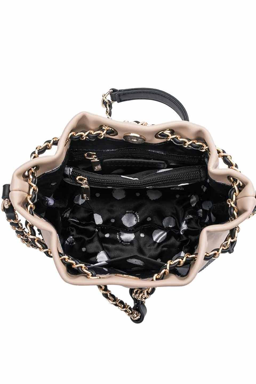meliebiancoのKathy(Nude)チェーンストラップ・巾着バッグ/海外ファッション好きにオススメのインポートバッグとかばん、MelieBianco(メリービアンコ)のバッグやショルダーバッグ。meliebianco(メリービアンコ)の2019年春夏の新作になります。メリービアンコ自慢のビーガンレザーを使用したアニマルフレンドリーなアイテム。/main-6