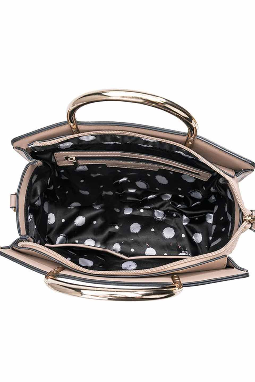 meliebiancoのEileen(Nude)ゴールドハンドル・ハンドバッグ/海外ファッション好きにオススメのインポートバッグとかばん、MelieBianco(メリービアンコ)のバッグやショルダーバッグ。meliebianco(メリービアンコ)の2019年春夏の新作になります。メリービアンコ自慢のビーガンレザーを使用したアニマルフレンドリーなアイテム。/main-6