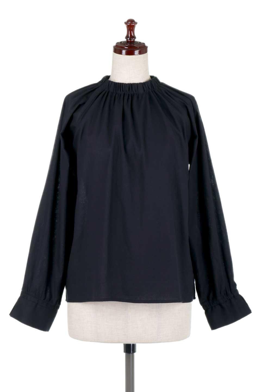 GatheredHighNeckBlouseギャザーハイネック・コットンブラウス大人カジュアルに最適な海外ファッションのothers(その他インポートアイテム)のトップスやシャツ・ブラウス。ギャザーを配した低めのハイネックの長袖ブラウス。コットン100%でリネンのようなシャキッとしたハリのある素材感でナチュラルな雰囲気です。/main-10