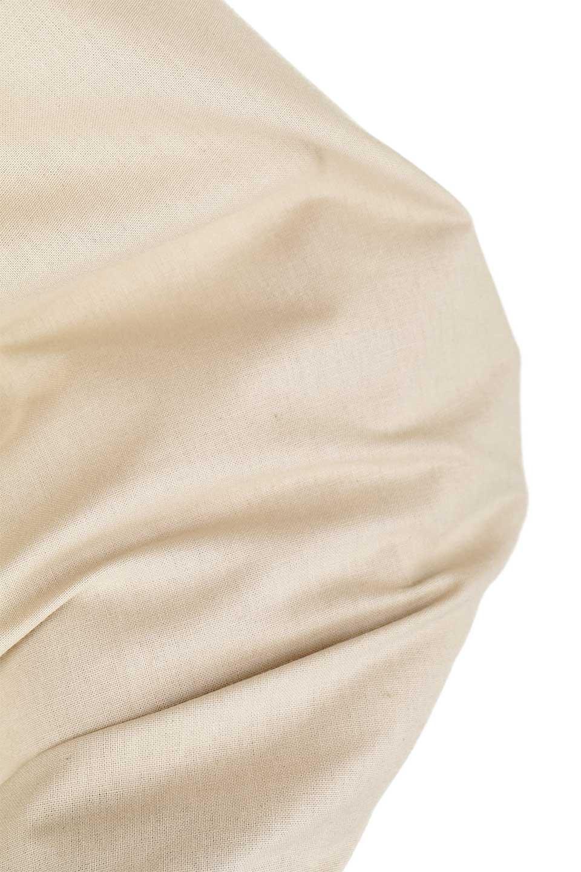 GatheredHighNeckBlouseギャザーハイネック・コットンブラウス大人カジュアルに最適な海外ファッションのothers(その他インポートアイテム)のトップスやシャツ・ブラウス。ギャザーを配した低めのハイネックの長袖ブラウス。コットン100%でリネンのようなシャキッとしたハリのある素材感でナチュラルな雰囲気です。/main-22
