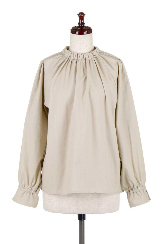 GatheredHighNeckBlouseギャザーハイネック・コットンブラウス大人カジュアルに最適な海外ファッションのothers(その他インポートアイテム)のトップスやシャツ・ブラウス。ギャザーを配した低めのハイネックの長袖ブラウス。コットン100%でリネンのようなシャキッとしたハリのある素材感でナチュラルな雰囲気です。/main-5