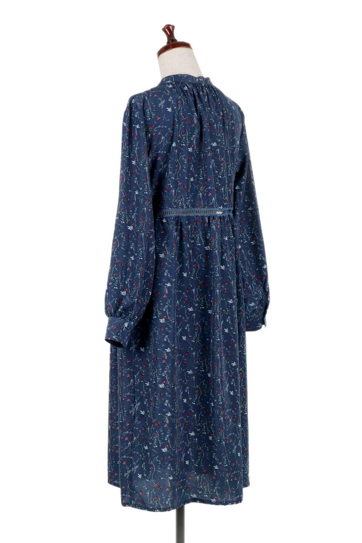FloralPrintedLongSleeveDress小花柄・長袖ワンピース大人カジュアルに最適な海外ファッションのothers(その他インポートアイテム)のワンピースやミディワンピース。オールシーズン着回せる小花柄のワンピース。ゆったりサイズですが袖が細めなので案外スッキリしたイメージです。/main-13