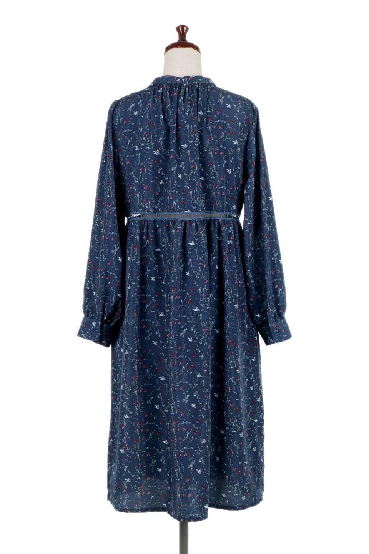 FloralPrintedLongSleeveDress小花柄・長袖ワンピース大人カジュアルに最適な海外ファッションのothers(その他インポートアイテム)のワンピースやミディワンピース。オールシーズン着回せる小花柄のワンピース。ゆったりサイズですが袖が細めなので案外スッキリしたイメージです。/main-14