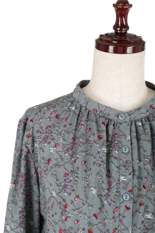 FloralPrintedLongSleeveDress小花柄・長袖ワンピース大人カジュアルに最適な海外ファッションのothers(その他インポートアイテム)のワンピースやミディワンピース。オールシーズン着回せる小花柄のワンピース。ゆったりサイズですが袖が細めなので案外スッキリしたイメージです。/main-16