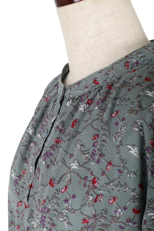 FloralPrintedLongSleeveDress小花柄・長袖ワンピース大人カジュアルに最適な海外ファッションのothers(その他インポートアイテム)のワンピースやミディワンピース。オールシーズン着回せる小花柄のワンピース。ゆったりサイズですが袖が細めなので案外スッキリしたイメージです。/main-17