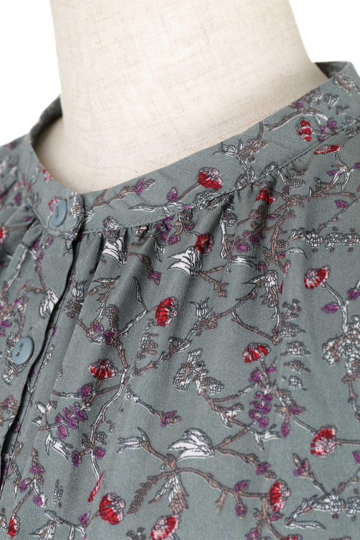 FloralPrintedLongSleeveDress小花柄・長袖ワンピース大人カジュアルに最適な海外ファッションのothers(その他インポートアイテム)のワンピースやミディワンピース。オールシーズン着回せる小花柄のワンピース。ゆったりサイズですが袖が細めなので案外スッキリしたイメージです。/main-18