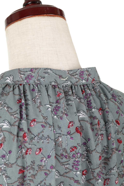 FloralPrintedLongSleeveDress小花柄・長袖ワンピース大人カジュアルに最適な海外ファッションのothers(その他インポートアイテム)のワンピースやミディワンピース。オールシーズン着回せる小花柄のワンピース。ゆったりサイズですが袖が細めなので案外スッキリしたイメージです。/main-19