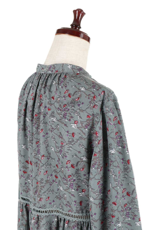 FloralPrintedLongSleeveDress小花柄・長袖ワンピース大人カジュアルに最適な海外ファッションのothers(その他インポートアイテム)のワンピースやミディワンピース。オールシーズン着回せる小花柄のワンピース。ゆったりサイズですが袖が細めなので案外スッキリしたイメージです。/main-20