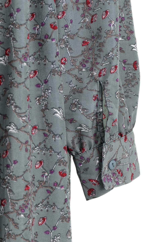 FloralPrintedLongSleeveDress小花柄・長袖ワンピース大人カジュアルに最適な海外ファッションのothers(その他インポートアイテム)のワンピースやミディワンピース。オールシーズン着回せる小花柄のワンピース。ゆったりサイズですが袖が細めなので案外スッキリしたイメージです。/main-26