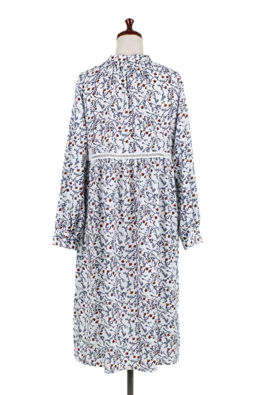 FloralPrintedLongSleeveDress小花柄・長袖ワンピース大人カジュアルに最適な海外ファッションのothers(その他インポートアイテム)のワンピースやミディワンピース。オールシーズン着回せる小花柄のワンピース。ゆったりサイズですが袖が細めなので案外スッキリしたイメージです。/main-9