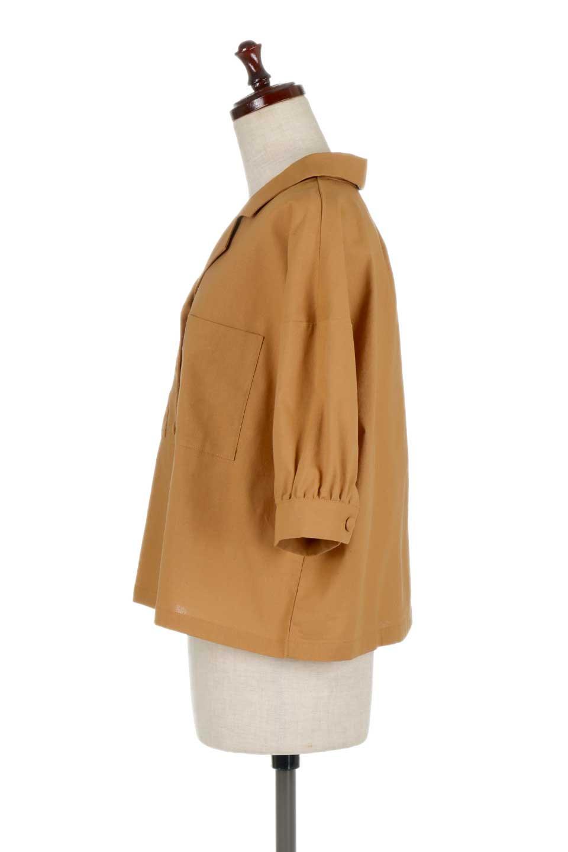 OpenCollarBigShirtsオープンカラー・ビッグシャツ大人カジュアルに最適な海外ファッションのothers(その他インポートアイテム)のトップスやシャツ・ブラウス。オーバーサイズのシルエットが可愛らしいシンプルな開襟シャツ。合わせやすいくすんだ色合いが春夏のコーデを楽しくします。/main-12