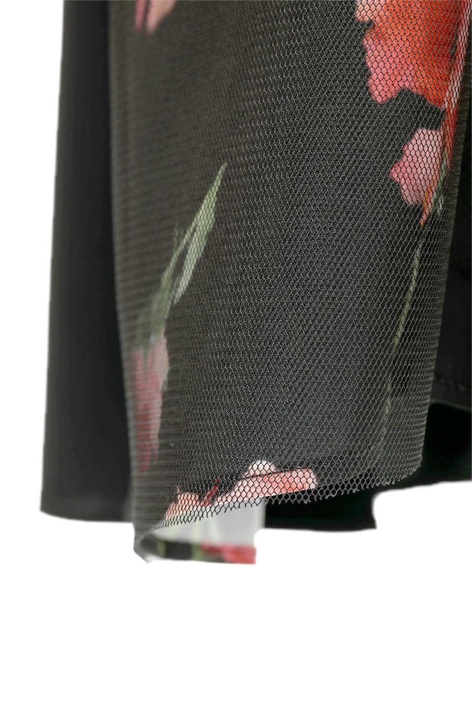 FloralSideLinedSleevelessDress花柄切り替え・Aラインドレス大人カジュアルに最適な海外ファッションのothers(その他インポートアイテム)のワンピースやミディワンピース。パーティーなどで活躍しそうな上品ワンピース。ドレープ感のある生地にサイドの花柄が映える華のあるドレスです。/main-16