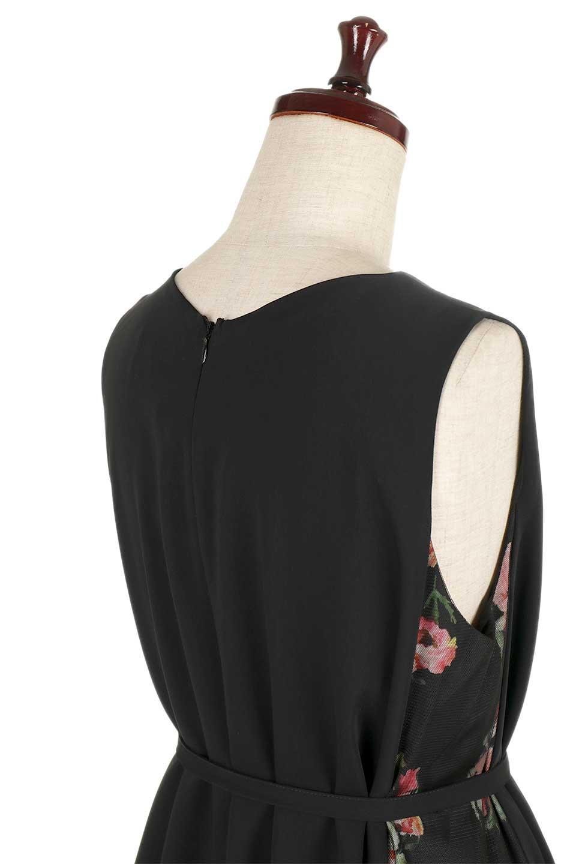 FloralSideLinedSleevelessDress花柄切り替え・Aラインドレス大人カジュアルに最適な海外ファッションのothers(その他インポートアイテム)のワンピースやミディワンピース。パーティーなどで活躍しそうな上品ワンピース。ドレープ感のある生地にサイドの花柄が映える華のあるドレスです。/main-5