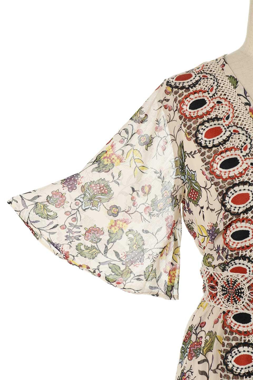 BohemianEmbroideredLongDressボヘミアン調刺繍入り・半袖ロングドレスfromDenmark大人カジュアルに最適な海外ファッションのothers(その他インポートアイテム)のワンピースやマキシワンピース。一目惚れのお客様多数のボヘミアン・ワンピース。全面のボタニカルプリントにエキゾチックな刺繍が目を引くワンピース。/main-10