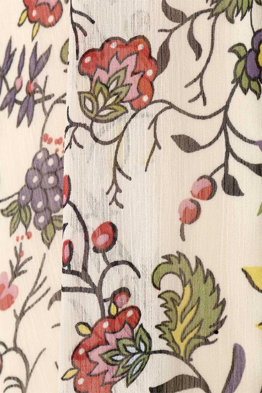 BohemianEmbroideredLongDressボヘミアン調刺繍入り・半袖ロングドレスfromDenmark大人カジュアルに最適な海外ファッションのothers(その他インポートアイテム)のワンピースやマキシワンピース。一目惚れのお客様多数のボヘミアン・ワンピース。全面のボタニカルプリントにエキゾチックな刺繍が目を引くワンピース。/main-15