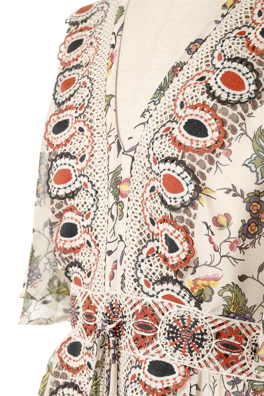 BohemianEmbroideredLongDressボヘミアン調刺繍入り・半袖ロングドレスfromDenmark大人カジュアルに最適な海外ファッションのothers(その他インポートアイテム)のワンピースやマキシワンピース。一目惚れのお客様多数のボヘミアン・ワンピース。全面のボタニカルプリントにエキゾチックな刺繍が目を引くワンピース。/main-8