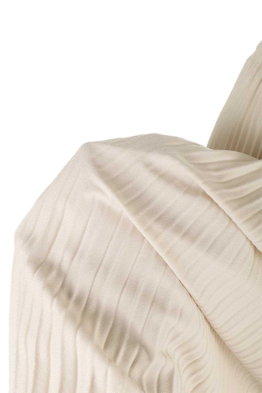 PleatedSkirtLongSkirtハイウエスト・プリーツロングスカート大人カジュアルに最適な海外ファッションのothers(その他インポートアイテム)のボトムやスカート。細めのアコーディオンプリーツがとてもきれいなロングスカート。Aラインのデザインですが広がりすぎない美しいシルエットです。/main-22