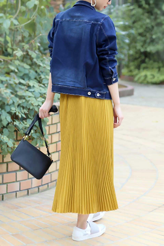 PleatedSkirtLongSkirtハイウエスト・プリーツロングスカート大人カジュアルに最適な海外ファッションのothers(その他インポートアイテム)のボトムやスカート。細めのアコーディオンプリーツがとてもきれいなロングスカート。Aラインのデザインですが広がりすぎない美しいシルエットです。/main-26