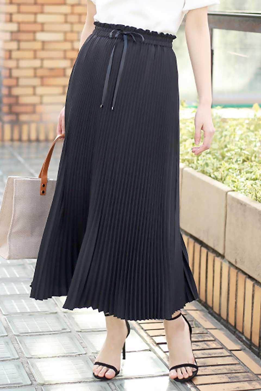 PleatedSkirtLongSkirtハイウエスト・プリーツロングスカート大人カジュアルに最適な海外ファッションのothers(その他インポートアイテム)のボトムやスカート。細めのアコーディオンプリーツがとてもきれいなロングスカート。Aラインのデザインですが広がりすぎない美しいシルエットです。/main-30