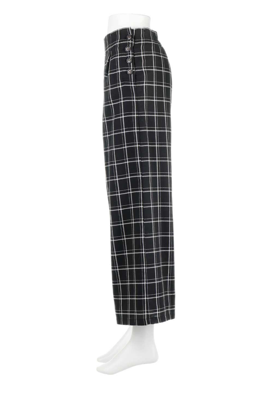SideButtonWideCheckPantsサイドボタン・チェック柄ワイドパンツ大人カジュアルに最適な海外ファッションのothers(その他インポートアイテム)のボトムやパンツ。春らしいソフトな風合いの生地を使用したワイドパンツ。薄手の生地ですが裾まで裏地付きなので安心です。/main-12